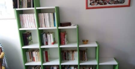 clikube-etagere-escalier-coloree